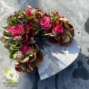 1a-bloemstuk-hart-beton
