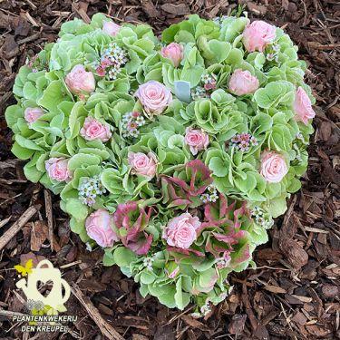 a1-a-bloemstukken-hart-groene-hortensia