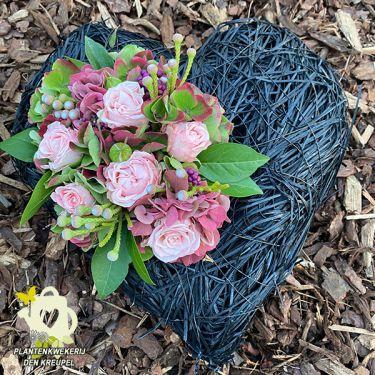 a1-a-bloemstukken-zwart-hart