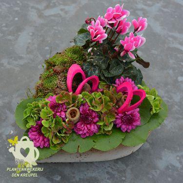 tussen-bloemstuk-en-schaal